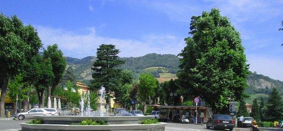 Боббио, Италия: Immagini del Parco in piazza S. Francesco