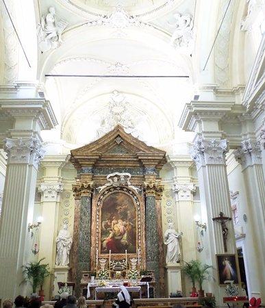 Chiesa Santuario S. Maria Del Suffragio