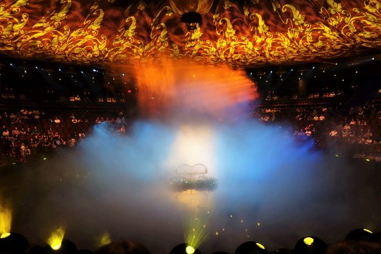 Le Reve - The Dream, the aqua spectacle in-the-round at Wynn Las Vegas, will celebrate its eight-year anniversary on Monday, May 6 and is commemorating the milestone with a special $88 premium.