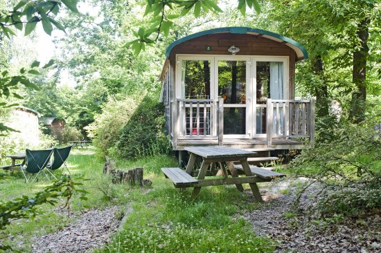 Camping Huttopia Versailles : Roulotte Famille