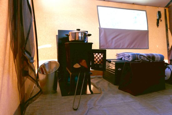 tente toile et bois classic picture of camping de la claree val des pres tripadvisor. Black Bedroom Furniture Sets. Home Design Ideas