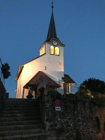 Fechy, Suisse : L'église, emblême incoutournable de Féchy.