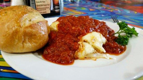 Rovali's Ristorante Italiano: Rovali's Homemade Lasagna!