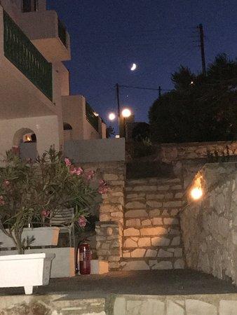 Adonis Hotel & Apartments: photo0.jpg