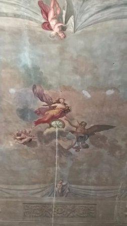 Casa Santo Nome di Gesu: Расписные потолки номеров
