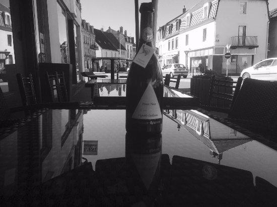 Lure, Франция: Une bouteille à la mer