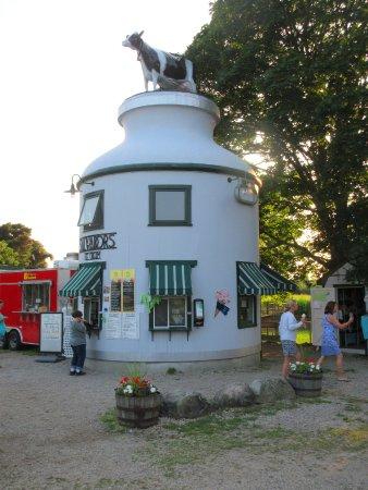 Salvador's Ice Cream: Ice Cream Bucket