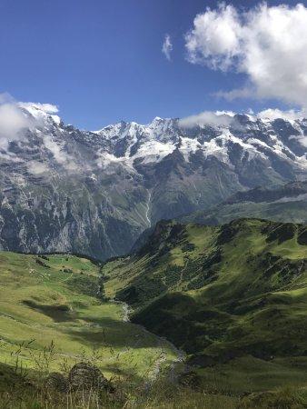 Hotel Eiger: Hiking from Murren