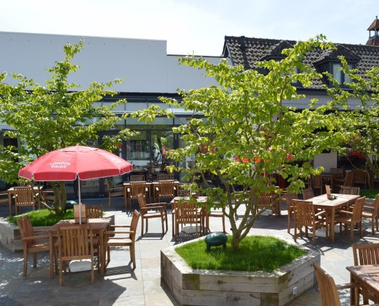 Made, The Netherlands: The Pub and Churchill Terras