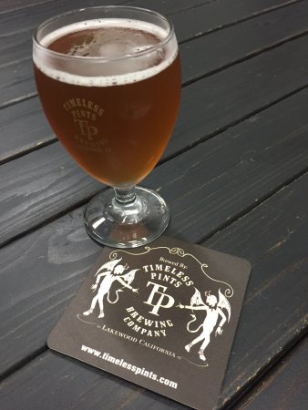 Lakewood, Kaliforniya: A tiny independent brewer with a laid back vibe. Perfect for relaxing with friends. Check if the