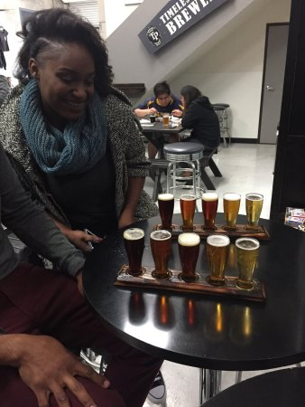 Lakewood, Californië: A tiny independent brewer with a laid back vibe. Perfect for relaxing with friends. Check if the