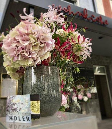 Immer frisch: Unser Blumenschmuck von Blumen Adler nebenan