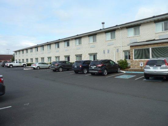Comfort Inn : Parkplatz auf der Rückseite