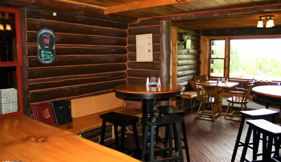 North River, NY: Loghouse Pub