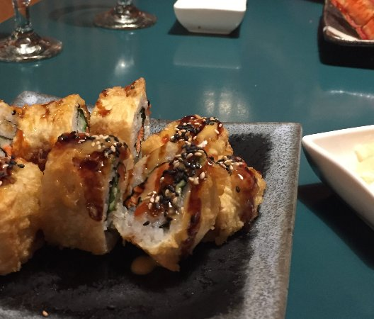 Sushi Mong: Crazy Dad (deep fried spicy salmon)