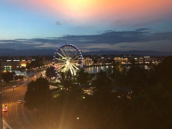 Hotel Metropole Geneve: Foto desde la Terraza en la 5 Planta