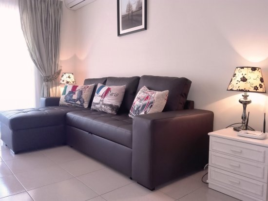 Royal Golf Park Comfortable Modern Sofabed In Large Studio Apartment