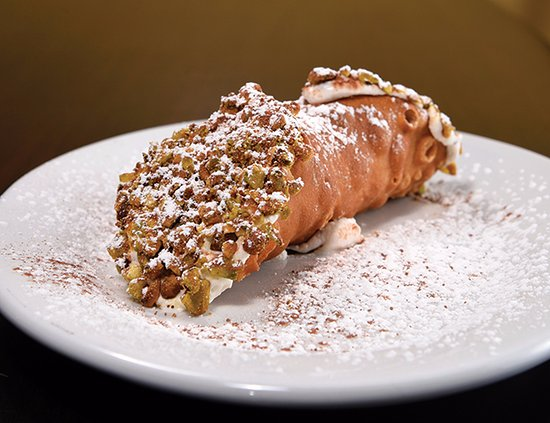 Granite Bay, แคลิฟอร์เนีย: Cannolo- sweet ricotta, crushed chocolate and ends dipped in chopped pistachio