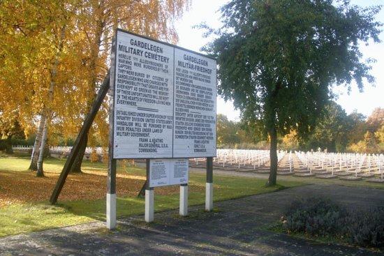 Gedenkstaette Feldscheune Isenschnibbe Gardelegen