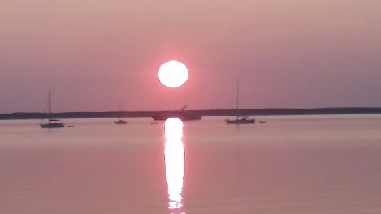 Provincetown Inn Resort & Conference Center: Another amazing sunrise from our Cape Tip patio