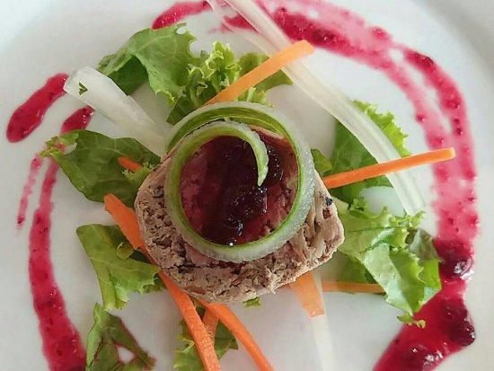 Chonburi Province, تايلاند: Creamy Chicken liver Pâté Provençal, Almonds ń Cranberries...