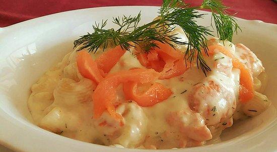 Chonburi Province, Thailand: Pasta Salmone e Vodka (pasta with salmon, cream & vodka)