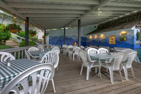 Linville Falls, NC: Al fresco dining area