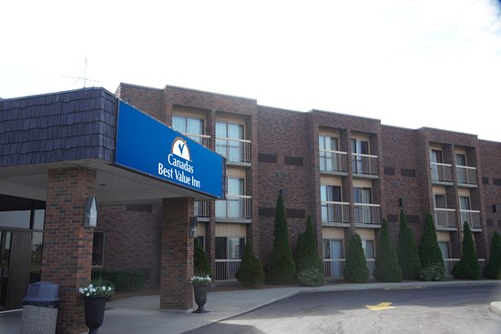 Canadas Best Value Inn Welland Niagara Falls: Exterior