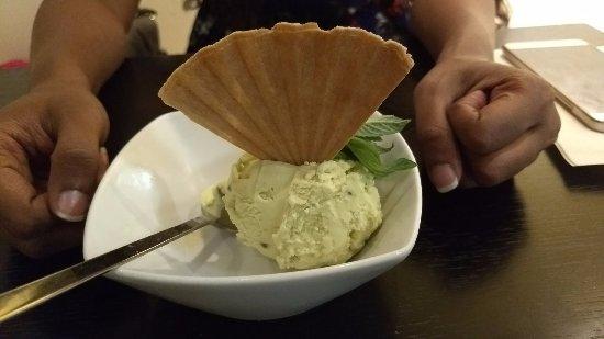 Pizzeria Paparazzi Ristorantino: Pistachio Ice cream
