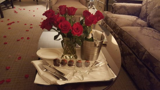 Ethan Allen Hotel: A dozen roses, champagne, and fresh chocolate covered strawberries