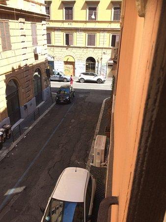 Hotel Laurentia: Stille sidegade