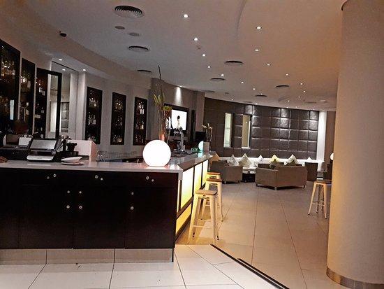 President Hotel: Bar area