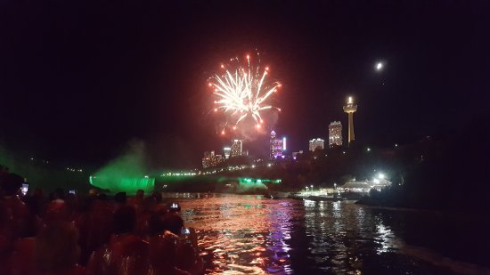 Whirlpool Jet Boat Tours: Fireworks on the boat