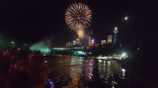 Whirlpool Jet Boat Tours: Fireworks while on the boat