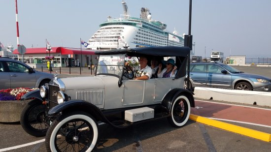 Classic Car Tours: Larry's 1926 Model T. We were picked up at the dock by our cruise ship, so it was ultra convenie