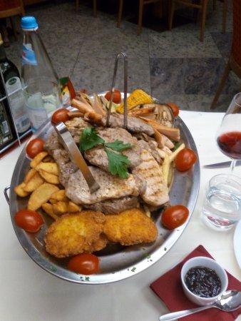 Pizzeria & Restaurant Valentina: Grigliata di carne per due (ma anche tre!)
