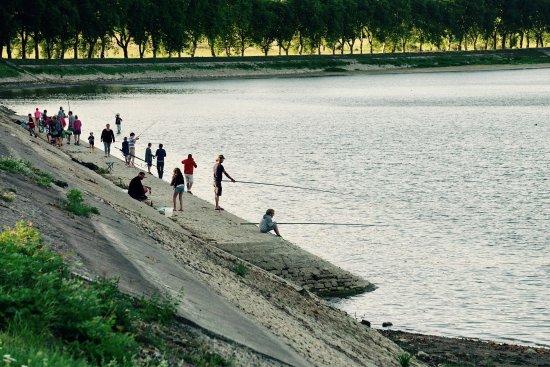 Vandenesse-en-Auxois, França: Camping du Lac de Panthier