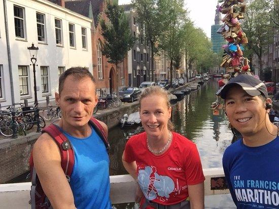 Tourist Run Amsterdam: Paul is on the left.