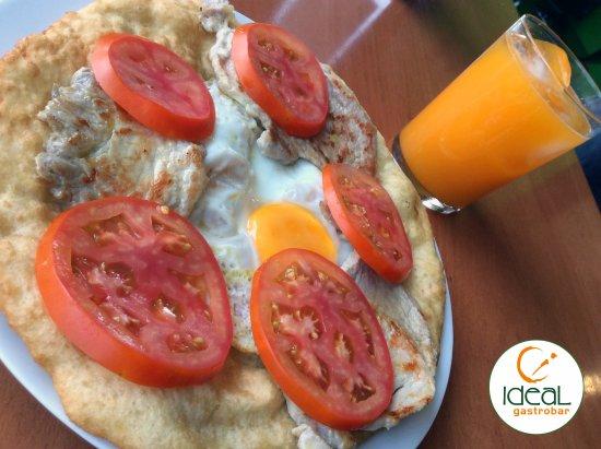 Yecla, España: Lo que se dice un buen desayuno