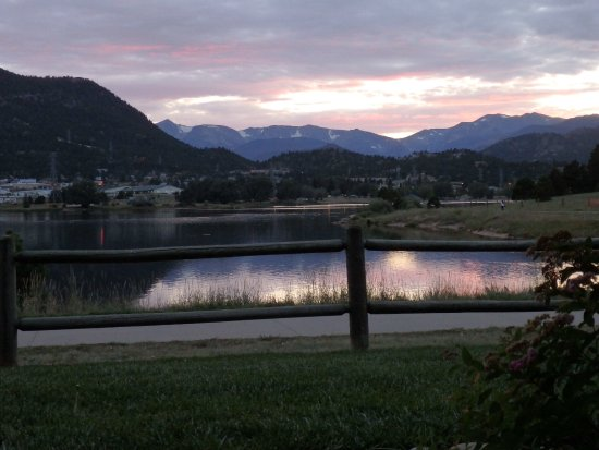 The Estes Park Resort: Looking out from our lake view room