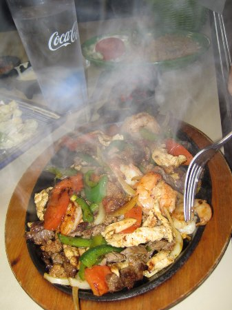 Christiansburg, VA: Fajita La Casa -- steamy hot