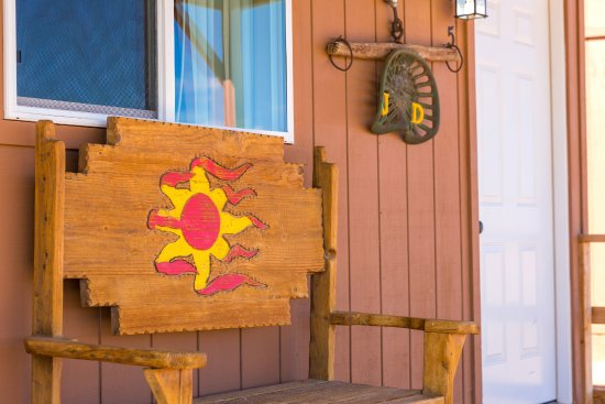Hualapai Ranch: Sit on the porch and watch the gun fights.