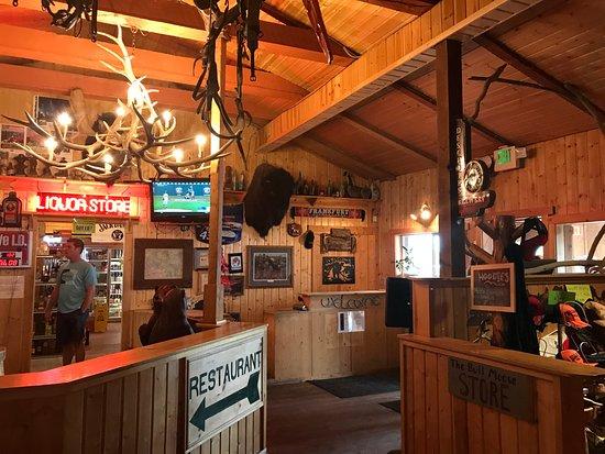 Alpine, WY: Décoration du restaurant