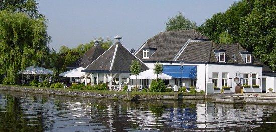 Restaurant De Knip on a beautiful Day