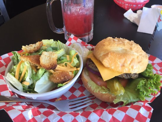 Gooding, ID: Stampede Burger