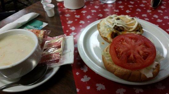 Marydale's Family Restaurant : Mushroom Mozza burger, soup
