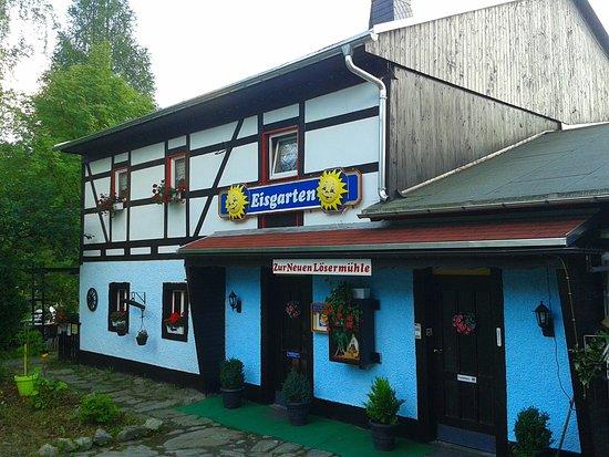 Neuhausen, Deutschland: Cafe Lösermühle mit Eisgarten - Sonnenschein