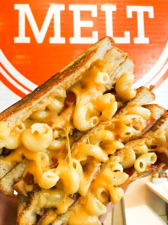Friendswood, TX: Mac Daddy Grilled Cheese