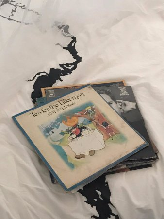 Renfrew, Canada: Records for the record player