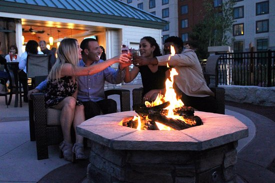 New Buffalo, MI: The Pool Bar and Outdoor Fire Pits